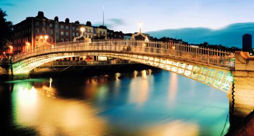 Dublin kanallarla dolu bir şehir.
