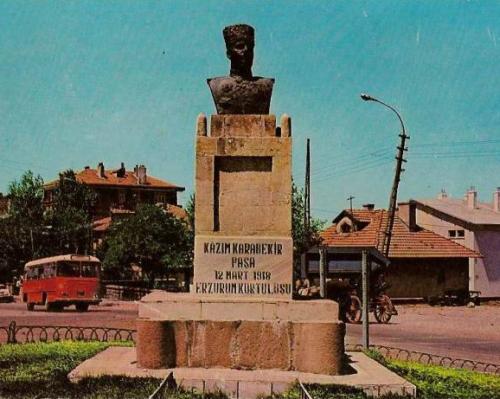 Erzurum Kazım Karabekir anıtı